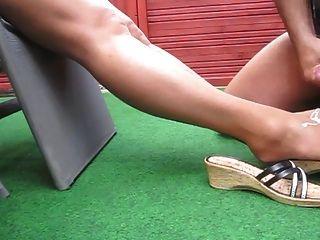 Footjob corridas medias nylons x15