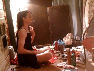 Madura fumando ... y ...