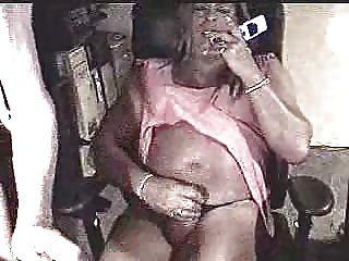Tener sexo telefónico