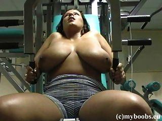 Aneta buena en el gimnasio