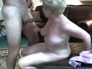 Mujer madura swinger realmente ama el sexo