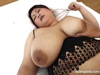Bbw asiático con grandes tetas