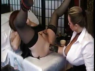 Fisting anal profundo