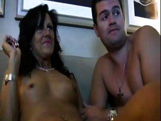 Caliente madre paso ama ver porno