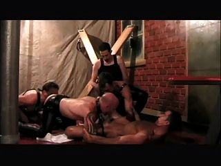 Leatherguys en un grupo (bb)