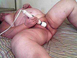 Increíble aubra se masturba con la varita