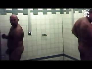 Ducha en la piscina