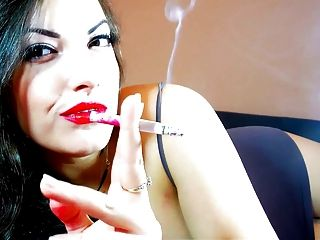 Fetiche de fumar alexxxya