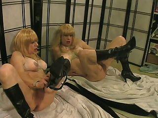Allycdtv en mi novia gemela lesbiana