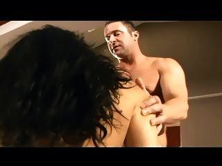 Puta morena en muslo medias de alta red
