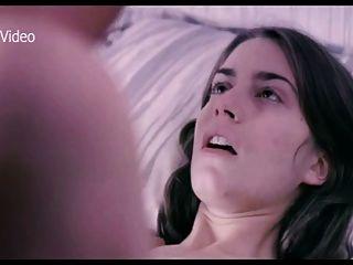 Alicia rodriguez en la cama con una novia