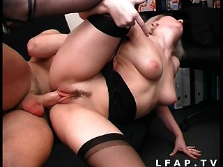 Petite rubia francaise sodomisee sauvagement