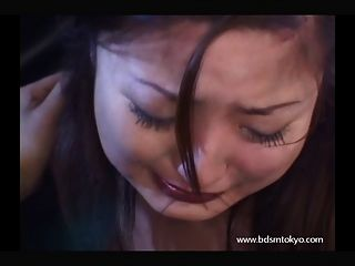 Cara a cara adolescente esclava japonesa en el grito de porno