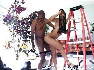 Hot black fuck con un electricista