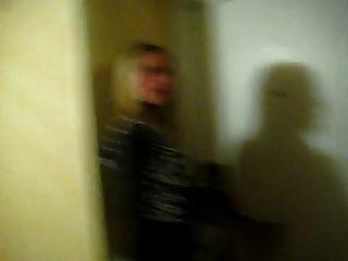 Gemidos sexuales en el corredor del hotel