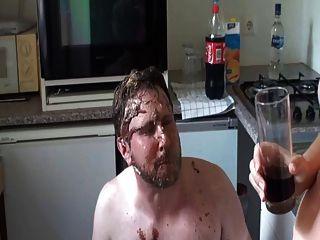 Comida y bebida escupir