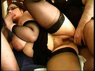 Buena chica gordita francesa follada en tacones altos