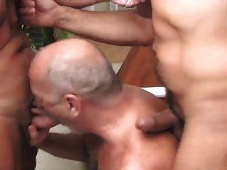 Trío de maduros