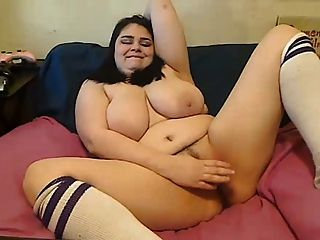 Bbw cumming with toy