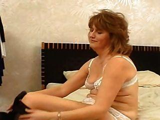 Moms casting luda (51 años)