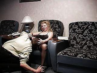 2 chicos con mujer