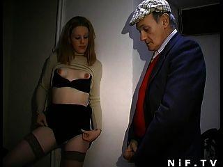 Puta francés sopla voyeur papy y se sodomiza