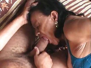 Fea abuela brasileña (sid69)