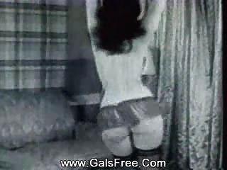 Clásica porno sexy babe en medias bailando