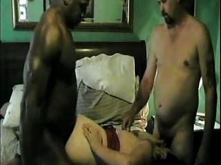 Cornudo y video interracial # 2