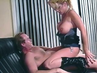 Sally layd obtiene buttfucked por un dick desagradable