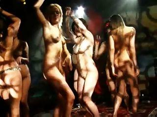 Baile desnudo