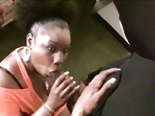 Chica Negra Flaca - Porno TeatroPornocom