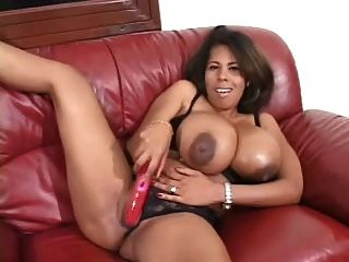 Vanessa del enorme tetas negras