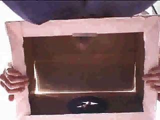 Polla en una caja 25