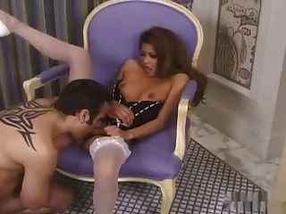 Sexy asian charmaine stars sexo en tacón alto y medias