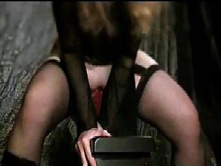 Chica follando dragón consolador parte 2
