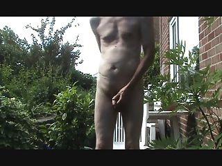 Tope de culo y wank al aire libre