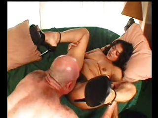 Sexy mamá n112 morena peludo maduro