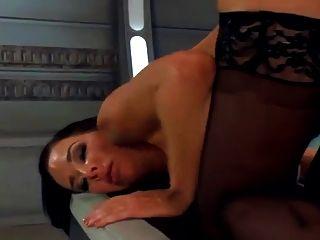 Máquina folla un milf caliente duro, orgasms.hd chorros múltiples