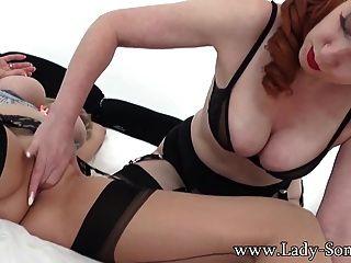 Lady sonia en caliente sexo lesbiana con milf rojo xxx