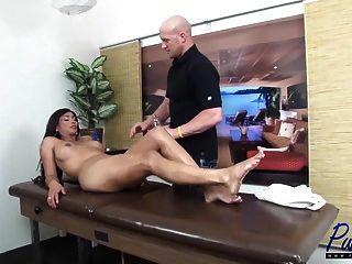 Sexo anal sin pelo con vanidad