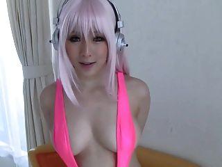 Super sonico japonés cosplayer
