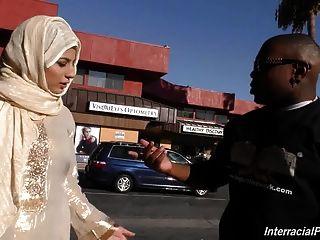 Arab slut girl chupar y follar enorme polla negro