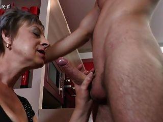 Stella Red adora el sexo fuerte y asqueroso - Pornes