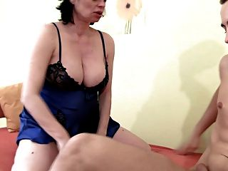 Embarazada hueca milf obtener duro