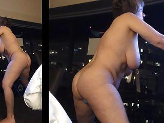 Masturbándose en la ventana del hotel por marierocks