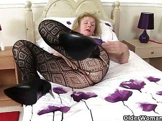 Lo que la abuelita hace en su tiempo libre