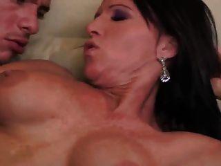 Sexy milf anal y tragar cum (milf superior)