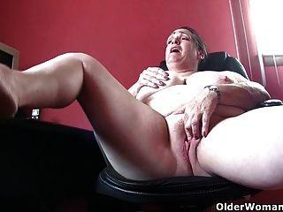 Abuela tiene un poco de carne extra en el hueso