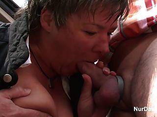 49 años de edad milf peludo alemán seducir a la mierda al aire libre